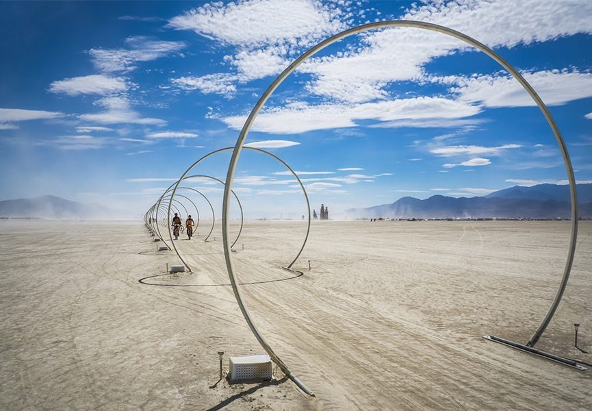 Burning-Man-2016-image-via-sfcurbedcom-865x600